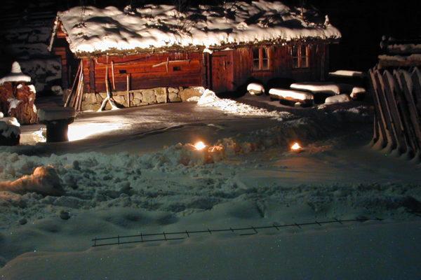 Seter i snø 290104